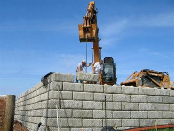 Retaining Wall Systems Archives Si Precast Concrete