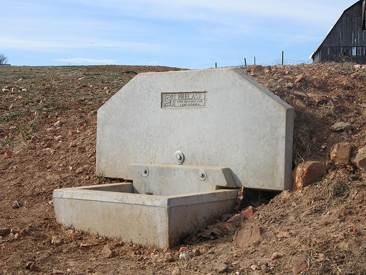 Freeze proof water tank si precast concrete for What happens to concrete if it freezes
